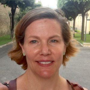 Justine Walden headshot